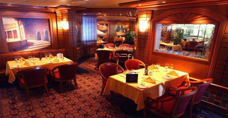 """La salle de restaurant """"Palm"""""""