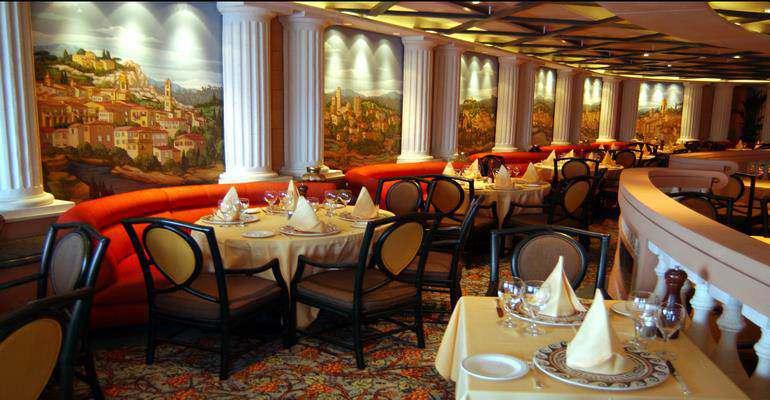"La salle de restaurant ""Coral"""