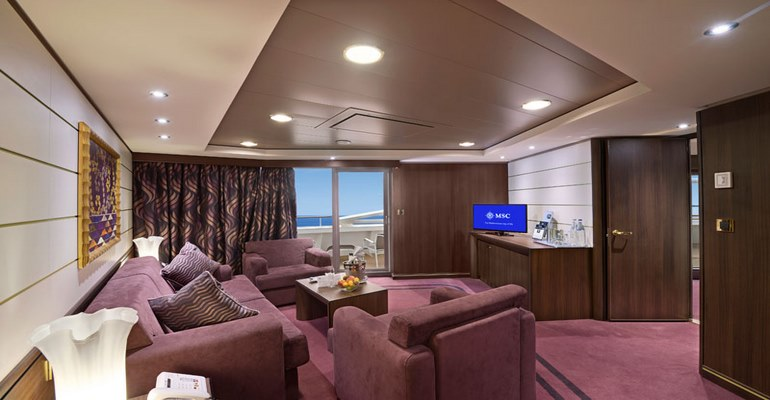 Suite Yacht Club Royal Suite - YC3