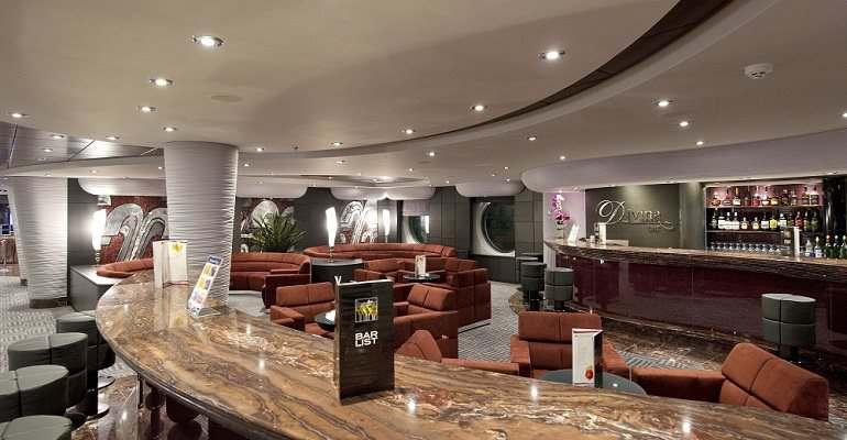 MSC Divina Bar
