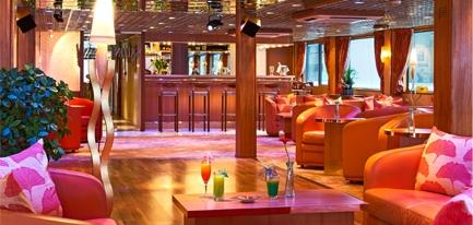 Salon bar avec piste de danse
