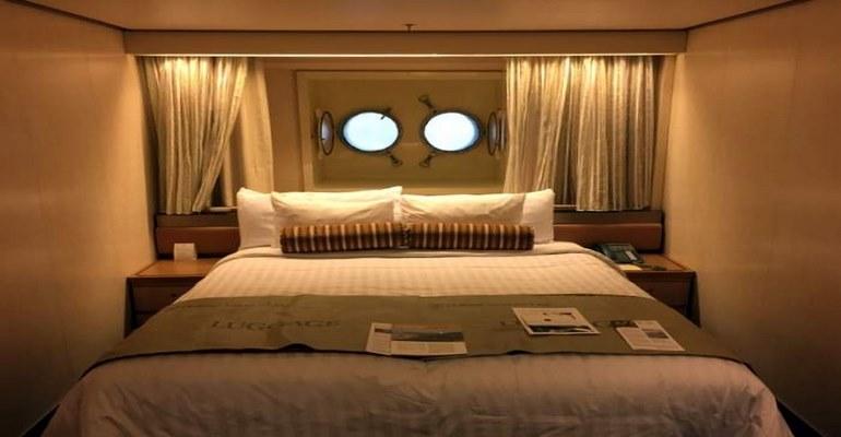 Cabine vue mer avec hublots - G
