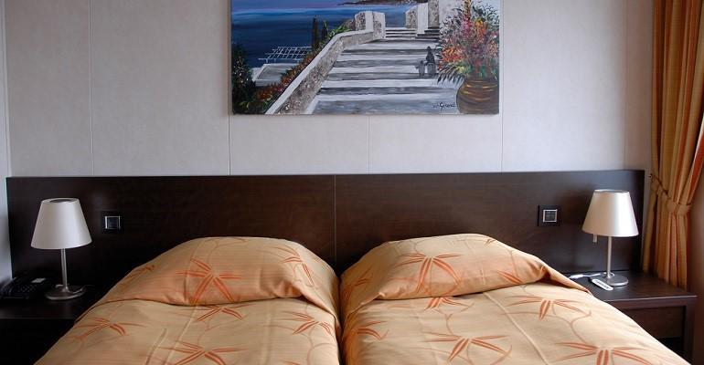 Pont Inférieur 2 lits séparables - hublot