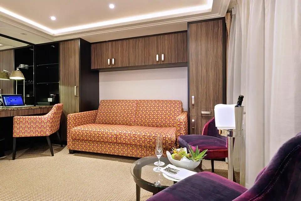 Suite - SS