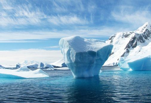 Navigation à travers les Icebergs