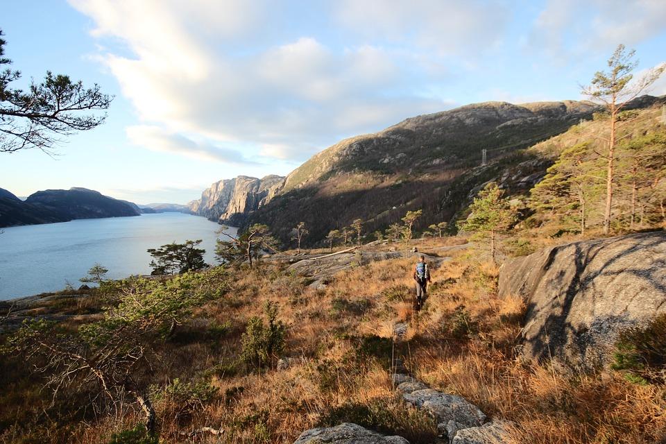 Navigation dans le Lysefjorden