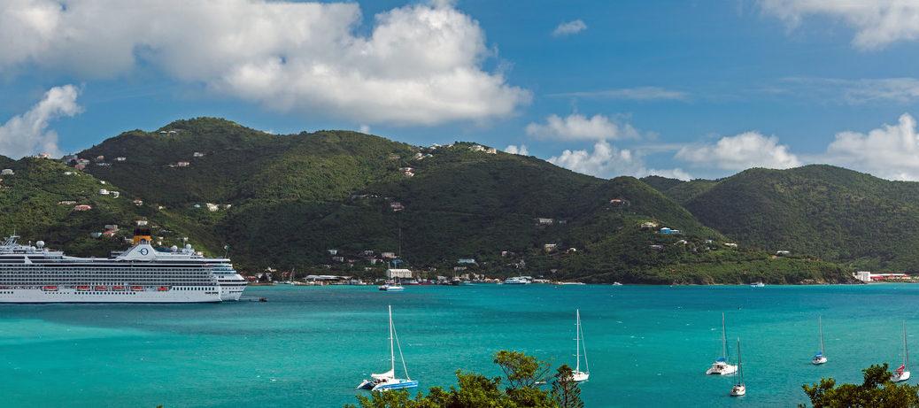 Port accueillant un navire Oceania Cruises.