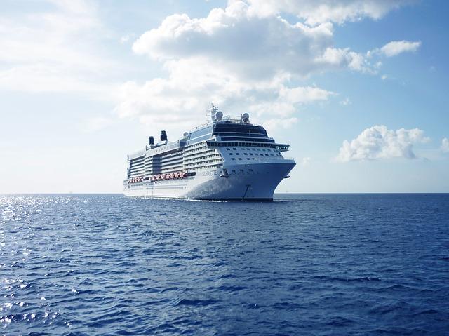 Navire en pleine croisière aux Caraïbes