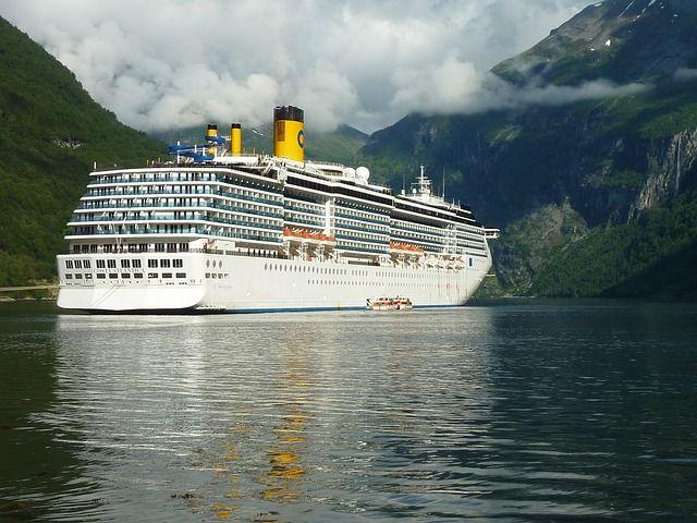 Un bateau de croisière de la compagnie Costa Croisière