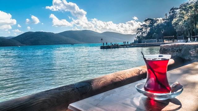 Un cocktail sur la mer.
